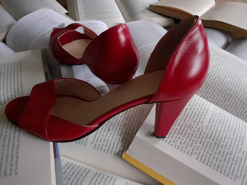 You are currently viewing The day heart starts wearing a pair of red shoes